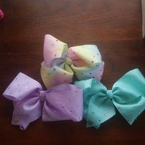 Jojo studded bows